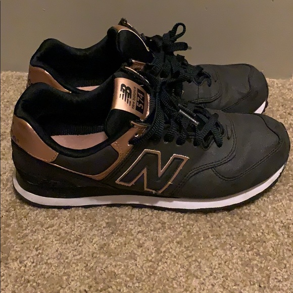 New Balance Shoes | Navy Rose Gold New